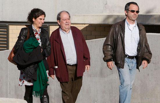 Los ex altos cargos de CiU, Lluìs Prenafeta y Maciá Alavedra, salen de prisión