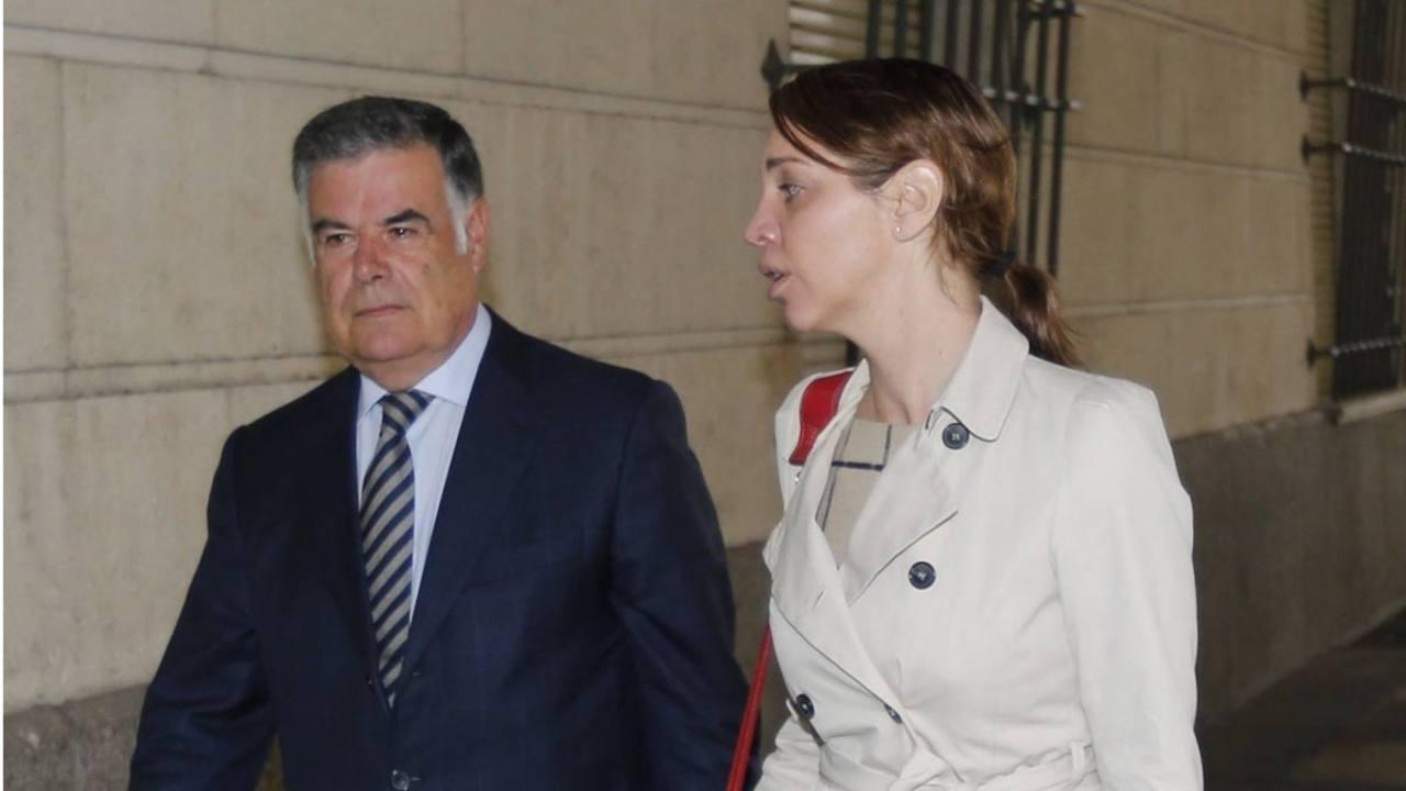 El exconsejero de Empleo, José Antonio Viera, a su llegada a los juzgados de Sevilla