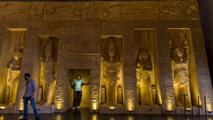 Ir al VideoExhiben réplicas de los templos de Ramsés II en Sevilla