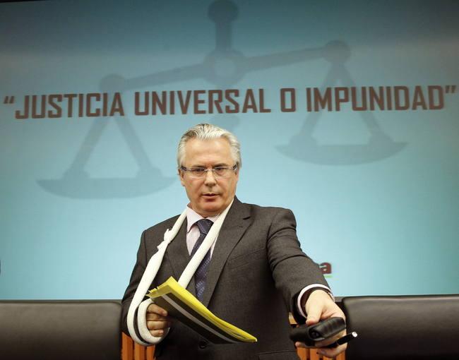 """El exjuez Baltasar Garzón, durante el seminario sobre """"Justicia universal o impunidad"""", organizado por el grupo parlamentario de la Izquierda Plural, en el Congreso de los Diputados."""