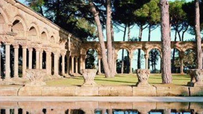 Expertos estudian la autenticidad del claustro románico hallado en Palamós