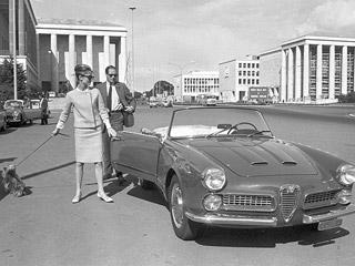 Audrey Hepburn vuelve a recorrer las calles de Roma en una exposición