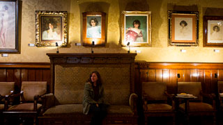 La exposición 'Julia, el deseo' retrata la musa del pintor Ramón Casas
