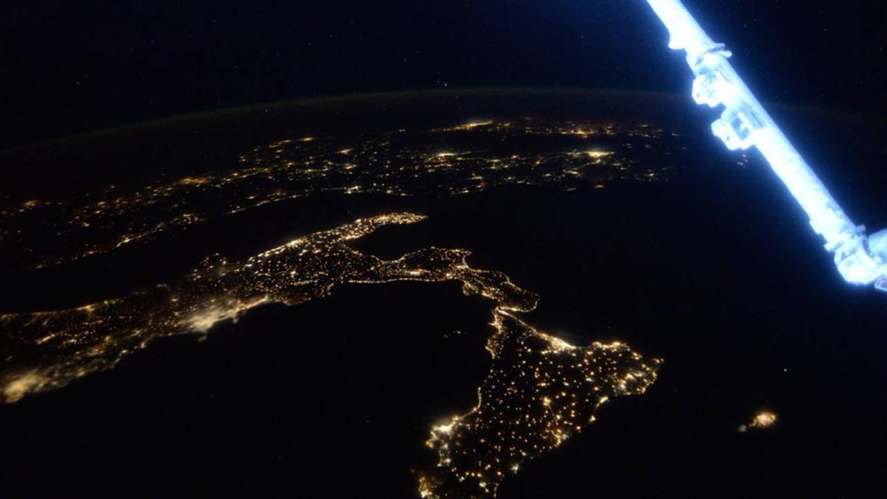 El extremo meridional de Italia, con la isla de Sicilia a su lado. (SCOTT KELLY)