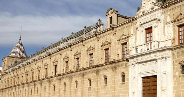 Fachada del Parlamento andaluz, en Sevilla.