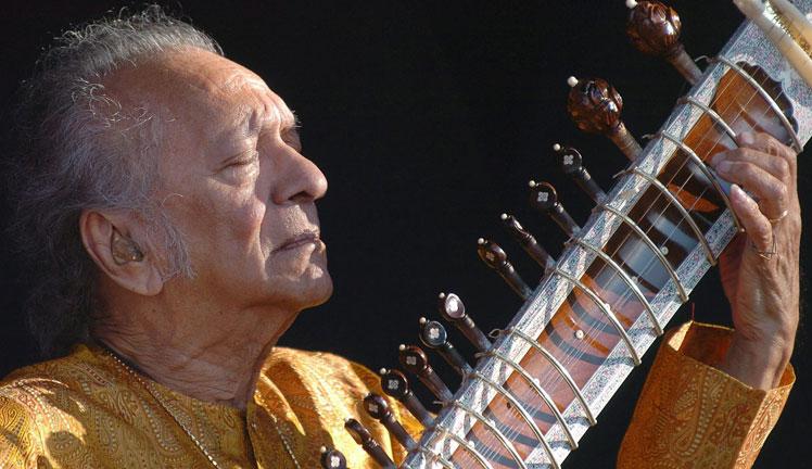 Fallece Ravi Shankar, el maestro de sitar que enseñó a los Beatles