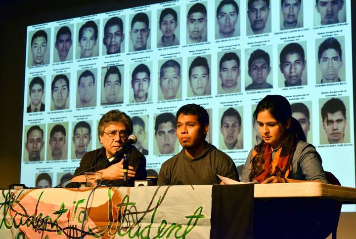 Familiares y compañeros de los 43 estudiantes desaparecidos inician en Estados Unidos, la gira 'Caravana 43' para lograr apoyo internacional e impulsar la causa.