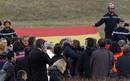 Fotogaleria: Las familias de las víctimas del avión de Germanwings visitan la zona del accidente