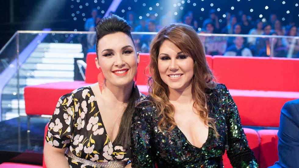 """Fantastic Duo - Tamara y Flavia """"La Canaria"""" conquistan al público con """"Abrázame"""""""
