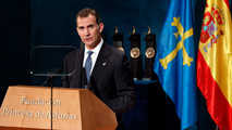 """Felipe VI apela a la unidad de España y exige """"no construir muros con los sentimientos"""" en los Premios Princesa de Asturias"""