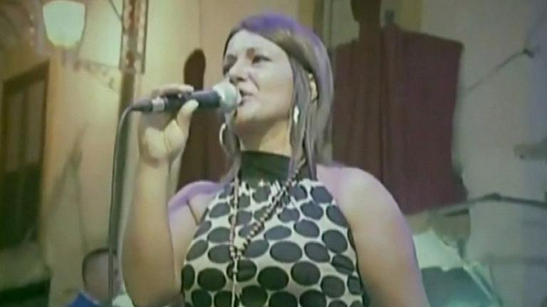 Les llaman neomelódicos y se han convertido en el fenómeno musical en Nápoles