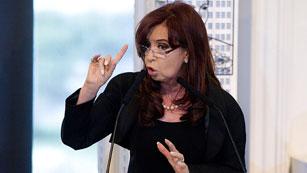 """Cristina Fernández: """"Los que esperen que esta presidenta responda a improperios pierden el tiempo"""""""