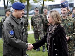 La ministra de Defensa da por cumplida la misión de las tropas españolas en Bosnia