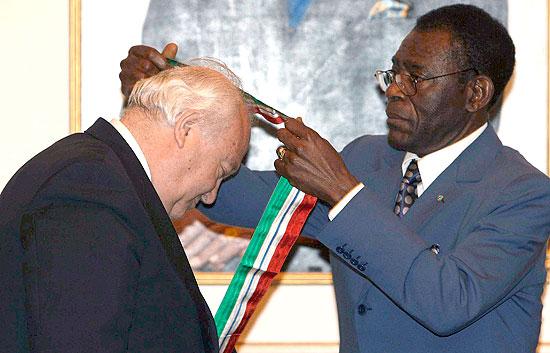 Termina la visita de Moratinos a Guinea