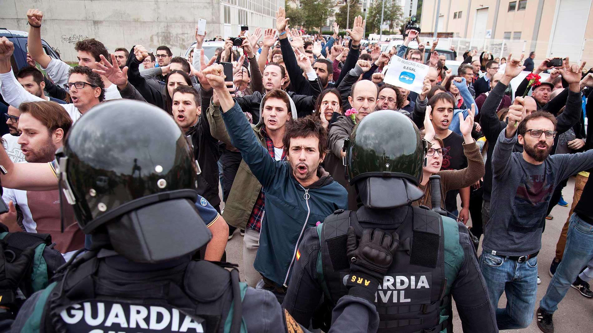 Ir al VideoLa fractura en la sociedad catalana se mantiene un año después del 1-O