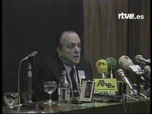 """Fraga: """"A los delfines sólo los veo en el agua"""" (1986)"""