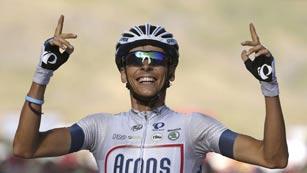 El francés Barguil hace doblete y Nibali sigue de líder tras un susto