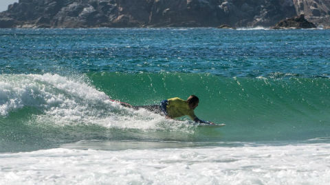 Francesena y Bayona, campeones de España de surf adaptado