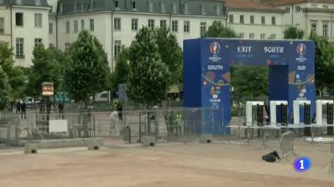 Francia entrena cómo hacer frente al terrorismo en la Eurocopa