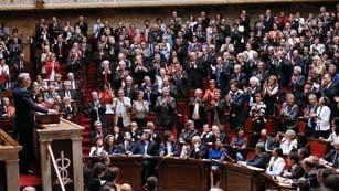 Francia reducirá el déficit público subiendo los impuestos pero no el IVA