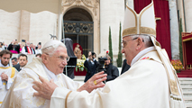 Ir al VideoFrancisco canoniza a Juan Pablo II y Juan XXIII