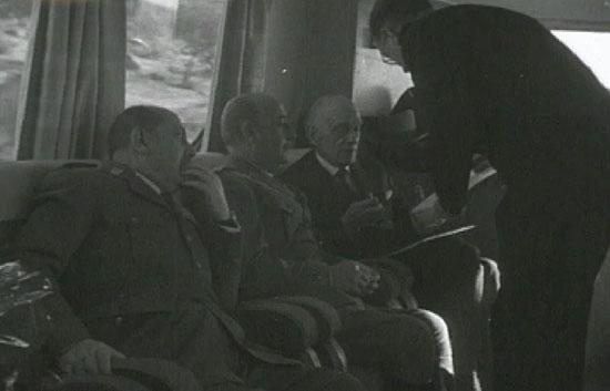 El dos de marzo de 1950 Francisco Franco inaugura los Talgo II