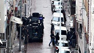 Las fuerzas especiales de Turquía abaten a dos mujeres que habían atacado una comisaría en Estambul