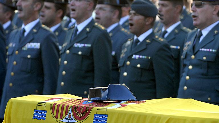 León despide a los guardias civiles fallecidos en un rescate
