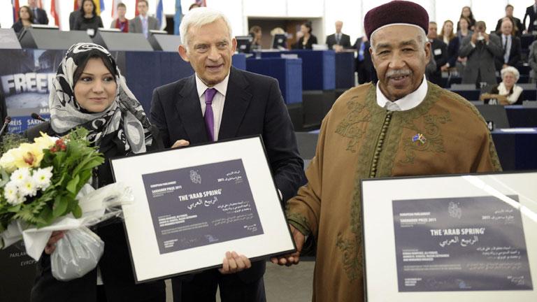 """Los ganadores del Premio Sajarov lo dedican a los """"mártires"""" de la primavera árabe"""