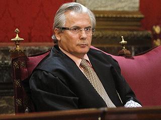 Ver vídeo  'Garzón afirma que ordenó las escuchas de Gürtel para evitar que se siguiera blanqueando dinero'