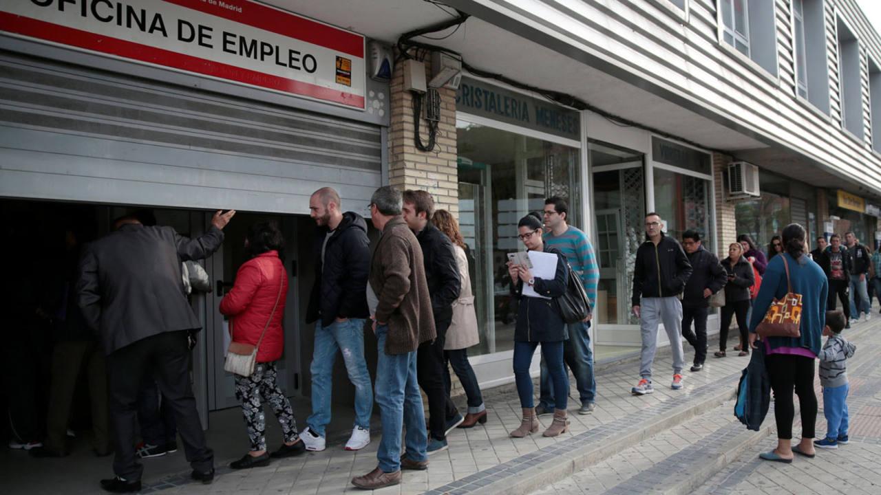 El n mero de parados registrados baj en personas for Oficinas de empleo valencia