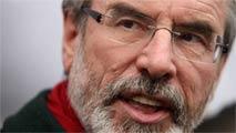 Ir al VideoGerry Adams, detenido por un asesinato del IRA en 1972