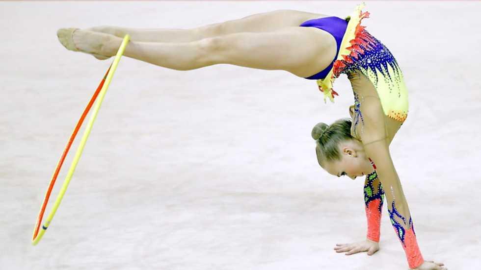 Gimnasia r tmica campeonato de europa competici n i aro for Gimnasia gimnasia
