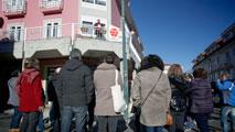 Ir al VideoEl Gobierno aprueba la segunda prórroga de la moratoria antidesahucios hasta 2020
