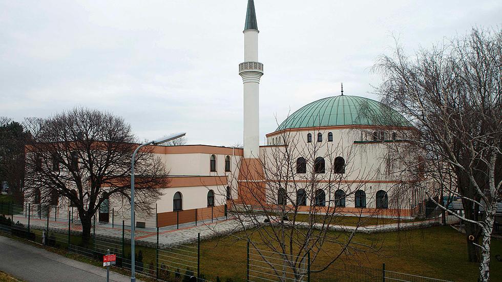 Austria prohíbe por ley la financiación extranjera de imanes y mezquitas
