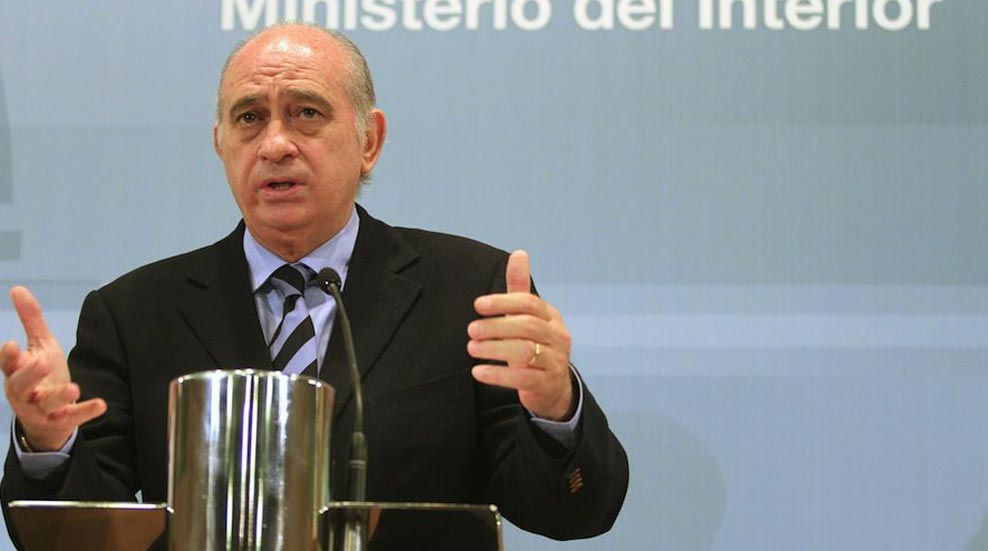 El Gobierno estudiará pedir la extradición del etarra De Juana Chaos y lo hará si es posible