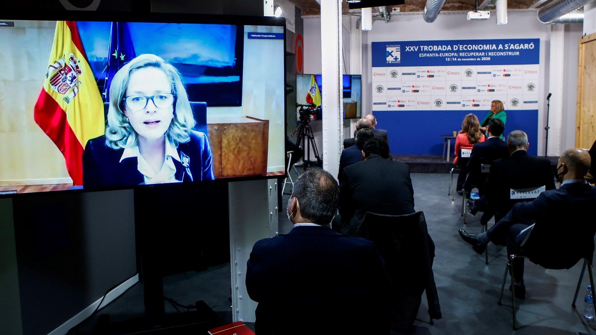 Ir al VideoEl Gobierno extenderá y facilitará la devolución de los créditos ICO