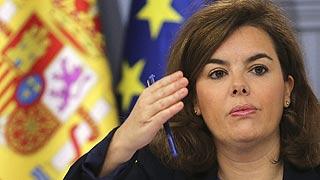 """Sáenz de Santamaría dice a Mas que """"tiene que asumir las consecuencias de sus actuaciones"""""""