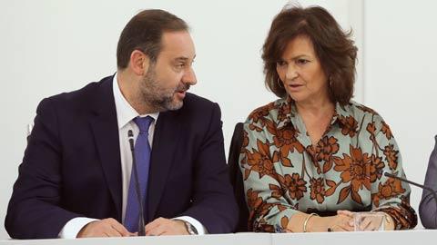 Ir al VideoEl Gobierno y el PSOE pactan elecciones en Cataluña para enero