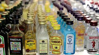 El Gobierno sube los impuestos al alcohol y el tabaco para recaudar 150 millones de euros