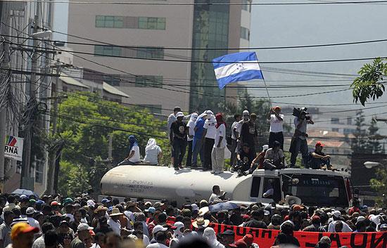 Los militares detienen al presidente de Honduras