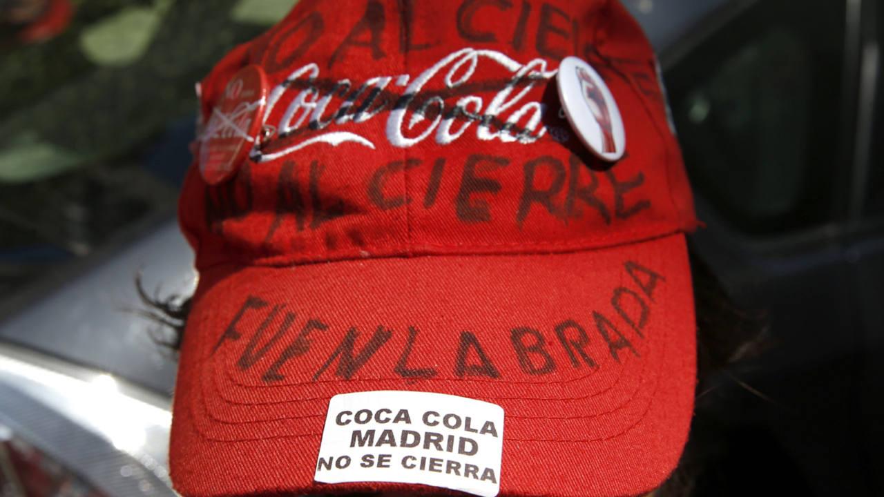 Una gorra reivindicativa de un trabajador de Coca-Cola