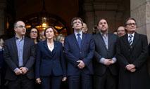Ir al VideoEl Govern y varios diputados soberanistas arropan a Forcadell antes de ir al TSJC a declarar como investigada
