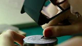 Los oficios de la cultura - Grabador de moneda