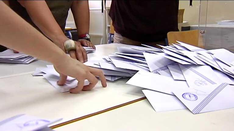 Grecia castiga al bipartidismo