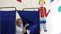 Ir al VideoLos griegos deciden su futuro en la Eurozona en un clima de división