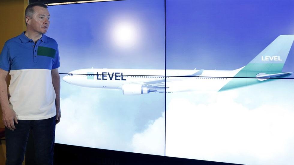 El grupo iag lanza level para operar vuelos de largo for Vuelos de barcelona a paris low cost