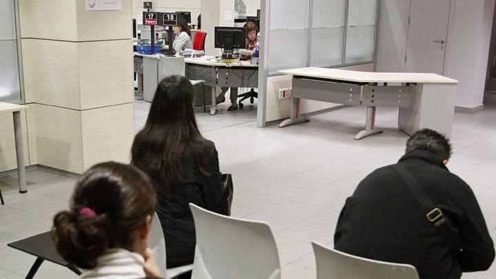 El gasto en prestaciones por desempleo baj un 14 2 en for Oficina de prestaciones