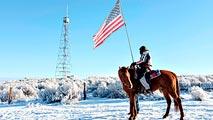 Ir al VideoUn grupo de rancheros de EE.UU. levanta contra el Gobierno por el uso de las tierras