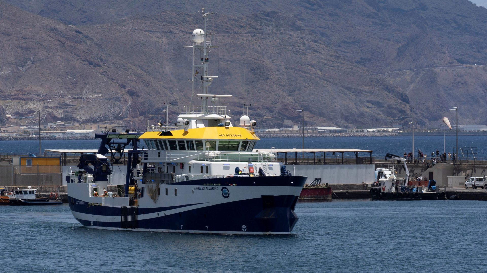 Ir al VideoLa Guardia Civil abre una información reservada para revisar la actuación en la búsqueda de las niñas de Tenerife